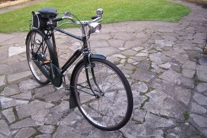 Raleigh Superbe Classic